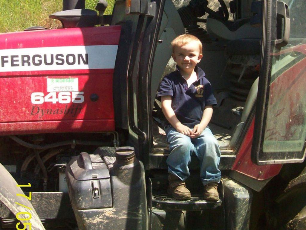 Il est pas beau mon gros tracteur?!